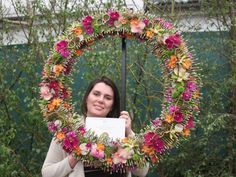 Extensive How-TO, from Tracey Griffin.  Gold at the RHS Chelsea florist of the year competition at Chelsea Flower show
