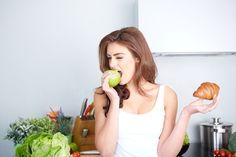 Nadbytek jednoduchých cukrů přispívá k rozvoji civilizačních onemocnění, vede k nadváze a obezitě a zvyšuje kazivost zubů. To všechno se děje, když to s konzumací cukru přeháníte. Co se ale stane, když jeho příjem omezíte? Nebo ho dokonce přestanete jíst úplně?