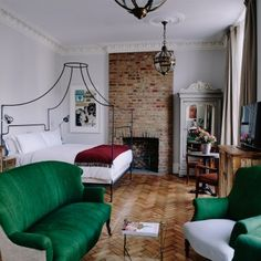 Artist Residence London rustic luxe, eclectic decor in the Grand Suite