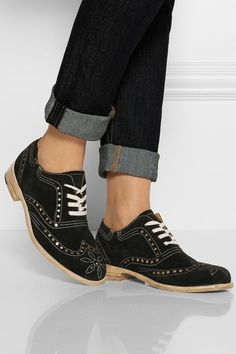 Classic Brogues Shoes For Men and Women (1)