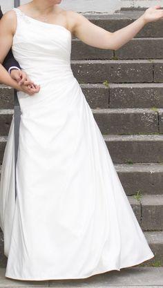 ♥ Brautkleid Lilly Größe 42 in Creme ♥  Ansehen: http://www.brautboerse.de/brautkleid-verkaufen/brautkleid-lilly-groesse-42-in-creme/   #Brautkleider #Hochzeit #Wedding