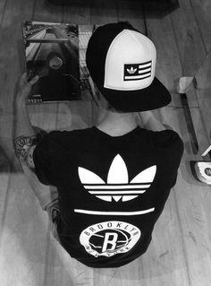 Adidas Originals Style ''Ultra Store''