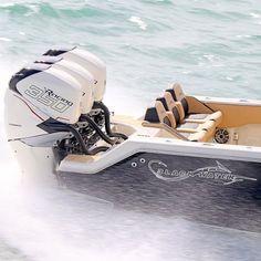 Blackwater 36 with triple Mercury Racing 350 HP motors