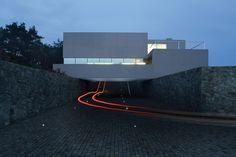 Bilderesultat for concrete atrium house Atrium House, Concrete, Patio, Buildings, Cubes, Terrace, Porch, Cement, Courtyards