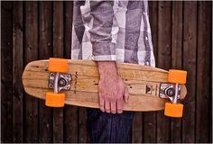 Skateboards van vers hout.