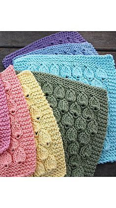 Raindrop Dishcloth - Free Knitted Pattern - See http://www.ravelry.com/patterns/library/raindrop-dishcloth For Additional Projects With This Pattern - (sugarncream)