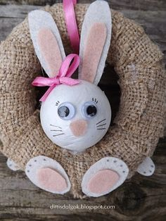 Diy And Crafts, Crafts For Kids, Crochet Wreath, Easter Cookies, Easter Wreaths, Easter Crafts, Projects To Try, Bunny, Crafty