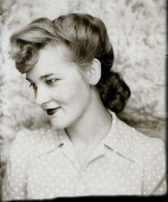 photobooth (via 40's, 50's, 60's)