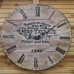 pendule horloge en bois de palette r cup ration recyclage rejoignez moi sur ma page facebook. Black Bedroom Furniture Sets. Home Design Ideas