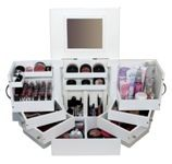 I like the makeup storage on this page, just don't know that I use makeup often enough to justify it :P