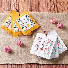 フレーバーティ 袋 パッケージ Candy Packaging, Tea Packaging, Chocolate Packaging, Beverage Packaging, Pretty Packaging, Tea Design, Label Design, Print Design, Branding Design