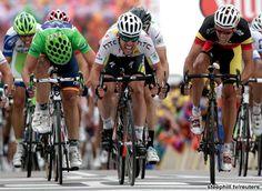 Mark Cavendish winning Stage 5.