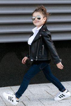 10 Blindsiding Ideas: Urban Fashion Couple Outfit urban fashion for men spaces. - October 26 2019 at Urban Fashion Girls, Toddler Fashion, Trendy Fashion, Fashion Clothes, Latest Fashion, Affordable Fashion, Girls Fashion Kids, Fashion Boots, Fashion Dresses