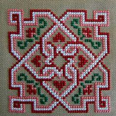 30 esquemas de travesseiros bordados e biskornyu