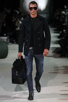 How To Wear Black Leather Chelsea Boots With Navy Jeans For Men looks & outfits) Fashion Moda, Look Fashion, Winter Fashion, Mens Fashion, Fashion Trends, Stylish Men, Men Casual, Black Leather Chelsea Boots, Black Pea Coats