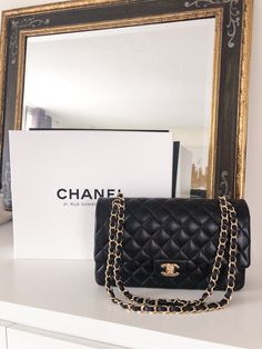 How To Save On Designer Bags in Europe + Chanel Shopping Tips. Detailed information about how to score CHANEL for less when shopping abroad. Classic Handbags, Cute Handbags, Cheap Handbags, Chanel Handbags, Popular Handbags, Chanel Bags, Black Chanel Purse, Latest Handbags, Fall Handbags
