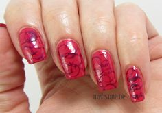 Pink Bubble Nails mit Bubblicious (MAYBELLINE, Color Show Nail Lacquer)