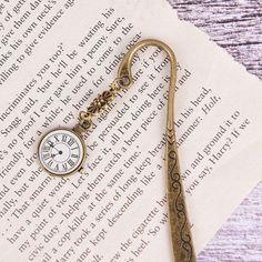 Cool Bookmarks, Vintage Bookmarks, Vintage Diary, Beloved Book, Metal Clock, Vintage Metal, Retro, Cool Gifts, Diy For Kids