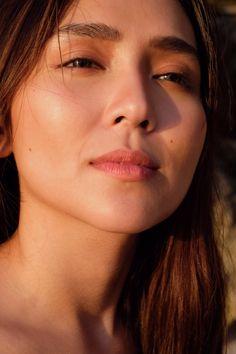 Kathryn Bernardo Hairstyle, Kathryn Bernardo Outfits, Filipina Actress, Filipina Beauty, Gabbi Garcia, Ulzzang Makeup, Celebrity Singers, Daniel Padilla, Bare Face