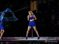 """Looking amazing, as always - Taylor Swift performs """"Shake It Off"""" in front of a sold-out crowd during her 1989 tour in Seattle! The 1989 World Tour, 1989 Tour, Shake It Off, Is 11, Selena Gomez, Taylor Swift, My Idol, Evolution"""
