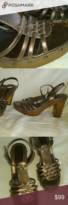 """Via Spiga (Italy) Bronze Leather Sandals 8 M Via Spiga Italy Heeled Sandals Bronze Wooden Womens Shoes 8 M  Very good, clean condition.? Genuine leather upper, wooden heel measures approx 4 1/4"""". Such a finely crafted pair. Via Spiga Shoes Sandals"""