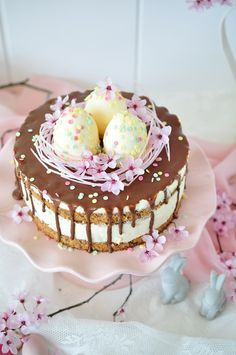Oster Torte mit Himbeeren und Schaumküsse Easter cake with raspberries and marshmallows Wedding Cakes With Cupcakes, Unique Wedding Cakes, Elegant Wedding, Rustic Wedding, Fall Wedding, Dessert Simple, Drip Cakes, Marshmallows, Cake Recipes
