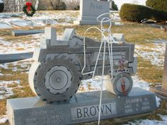 A wonderful tribute that is appropriate for a farmer. Cemetery Monuments, Cemetery Statues, Cemetery Headstones, Old Cemeteries, Cemetery Art, Graveyards, Unusual Headstones, Famous Graves, Casket