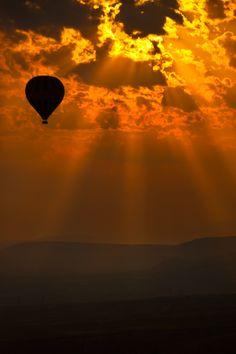 Balloon Sunset ~ http://yinnyang.co.uk/2011/07/orange-sunsets/