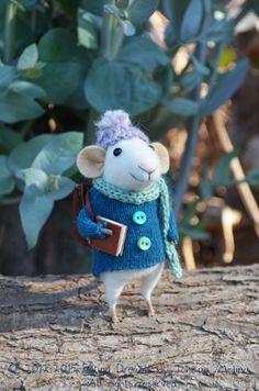 Little Traveler Mouse Felting Dreams READY TO by feltingdreams