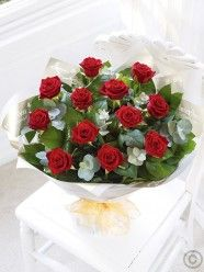 Red flowers from Conservatory Florists Derbyshire. Order a beautiful gift of red flowers for delivery. Best Flower Delivery, Online Flower Delivery, Flower Delivery Service, Valentines Flowers, Mothers Day Flowers, Dozen Red Roses, Happy Birthday Flower, Wholesale Florist, Large Balloons