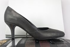 #zapatos #salon #piel #metálica #tacones #SHOES #METALLIC #LEATHER #STYLE #MADEINSPAIN #FASHIONSHOES #ONLINESHOPPING #calzado #artesanal #madrid JorgeLarranaga.com