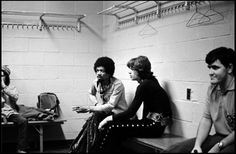 Jimi Hendrix and Mick Jagger backstage at Madison Square Garden NYC 1969 Rock And Roll, Jimi Hendrix Experience, Stone World, Charlie Watts, Dancing Day, Music Pictures, Keith Richards, Mick Jagger, Great Friends
