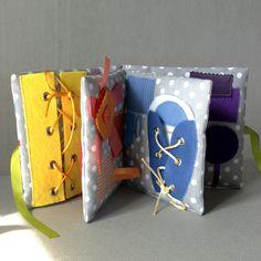 Livre d'éveil couleurs et activités, Inspiration Montessori : Jeux, jouets par popelineco