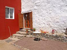 Schau Dir dieses großartige Inserat bei Airbnb an: studio in 400 Jahr altes Bauernhof - Häuser zur Miete in Teror