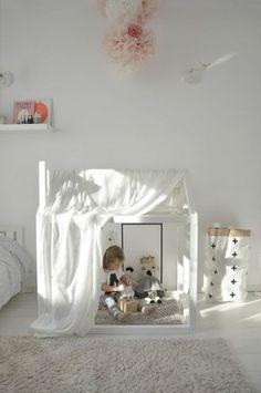 Kuschelecke Kinderzimmer mit Teppichboden