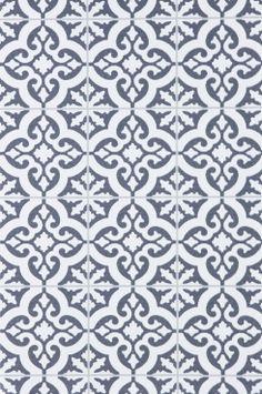 Wallpaper by ellos Tapet Rachel grå. En tapet i non-woven material.<br>Varje rulle är 10,05 m. Mönsterpassning 17,7 cm. Bredden på tapeten är 53 cm.<br>Made in Sweden.