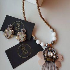 #earrings #earringfashion #handmadejewelry #handmade #necklace #jewelry #jewellery #jewels #accessories #design #style #edtaccessories #fashion #summer #stone #swarovskicrystals #swarovski #tassel
