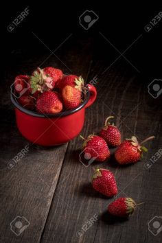 creative strawberry images - Google Search Strawberry, Camping, Fruit, Google Search, Creative, Food, Campsite, Essen, Strawberry Fruit