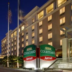 The Charleston Area Wedding Guide Courtyard By Marriott Historic District Hotels Downtown Sccharleston