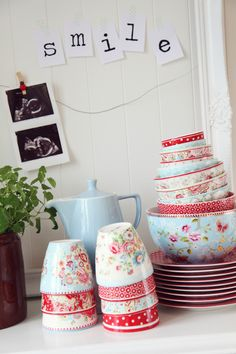 GreenGate displayed on kitchen bench