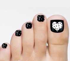 valentine black and white toe nail art Design White Toenails, Black Toe Nails, Cute Toe Nails, Toe Nail Art, Black Pedicure, Diy Pedicure, Pedicure Colors, Pedicure Nails, Toenail Art Designs
