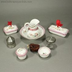 Antique dolls toilette service , Toilette Service for Doll in Original basket , Antique dolls toilette service