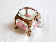 Antique Victorian Ring Box Jewellery Case Jewelry Shield Shaped Vintage Wedding Engagement