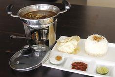 Sup Rawon Buntut adalah sup yang membawa ciri khas asli Jawa Timur dengan bumbu keluak sebagai bahan dasar, telur asin pilihan dan toge pendek.  Bagi yang belum pernah mencoba kelezatan Sup Rawon Buntut, ini kesempatan yang baik untuk mencoba berbagai hidangan kuliner lokal yang dijamin bisa membuat kamu ketagihan. Tidak perlu tiket pesawat yang mahal menuju Jawa Tengah, kalau di sini pun kamu bisa mencoba berbagai kulinernya yang lezat!  www.nagoya-mansion.com  #Rawon
