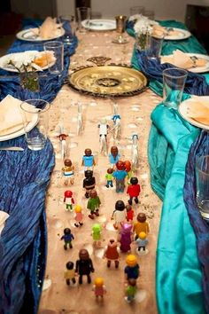 Parting of the Red Sea Passover Table Scape #passover #passoverdecorations #passoversedar #passovercraft #tablescape #lego