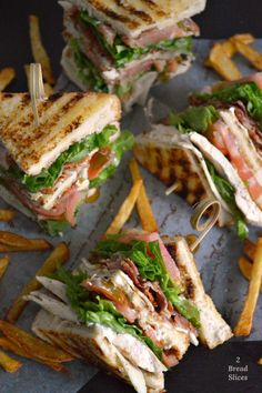 Sandwich Club or Clubhouse Sandwich - Бутерброды - Sandwiches Gourmet Sandwiches, Delicious Sandwiches, Sandwich Recipes, Picnic Sandwiches, Breakfast Sandwiches, Sandwich Ideas, Clubhouse Sandwich, Sports Food, Cafe Food