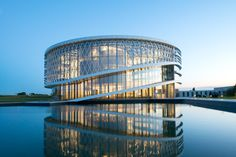 Jaspers-Eyers Architects, Barco's Headquarters and Reaserch Center, Kortrijk, 2016. Photo Philippe Van Gelooven
