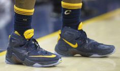 LeBron James Wears Navy/Yellow Nike LeBron 13 PE