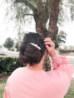 Low Bun Hairstyles, Easy Hairstyles For School, Easy Hairstyles For Medium Hair, Hair Inspo, Hair Inspiration, Easy Low Bun, Low Bun Tutorials, Elegant Bun, About Hair