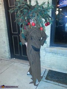 Wizard of oz apple tree easy fun homemade costumes pinterest wizard of oz talking apple tree halloween costume contest at costume works solutioingenieria Choice Image